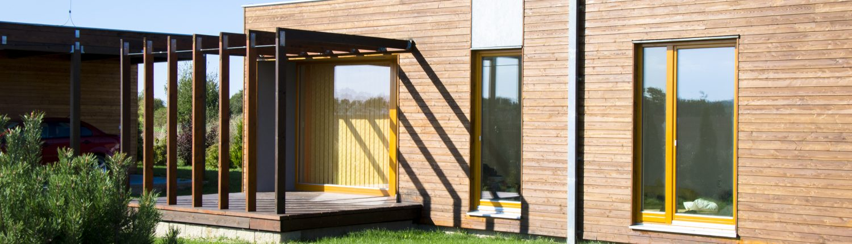Cabane urbaine, extension ou annexe de maison en bois