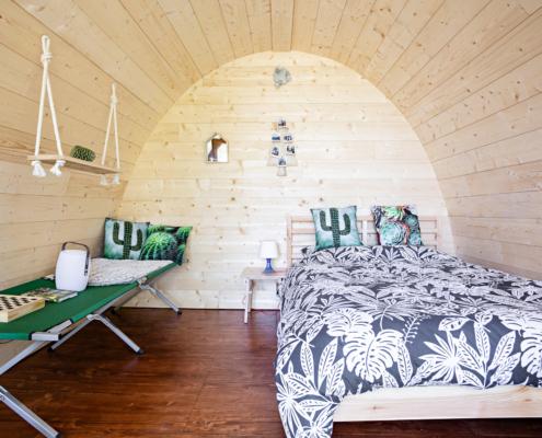 intérieur d'une cabane suspendue