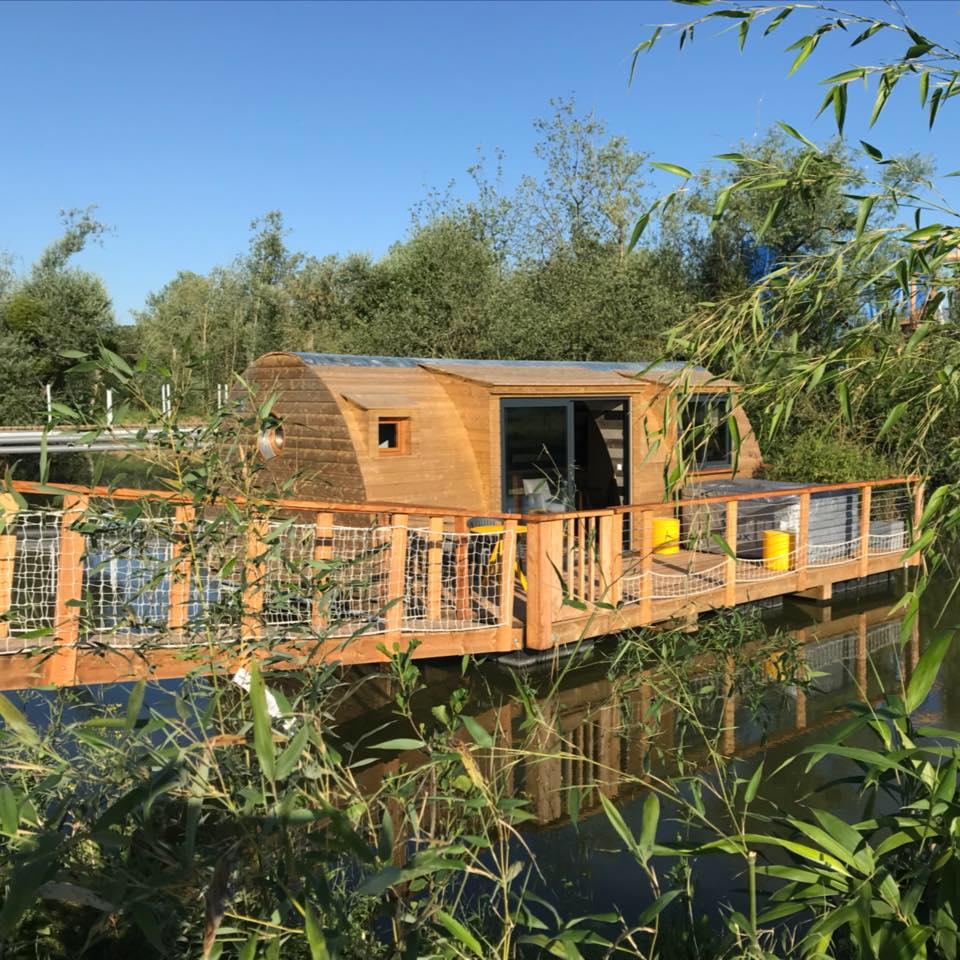 cabane de luxe flottante