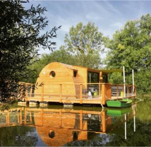 Beebane, modèle de cabane flottante