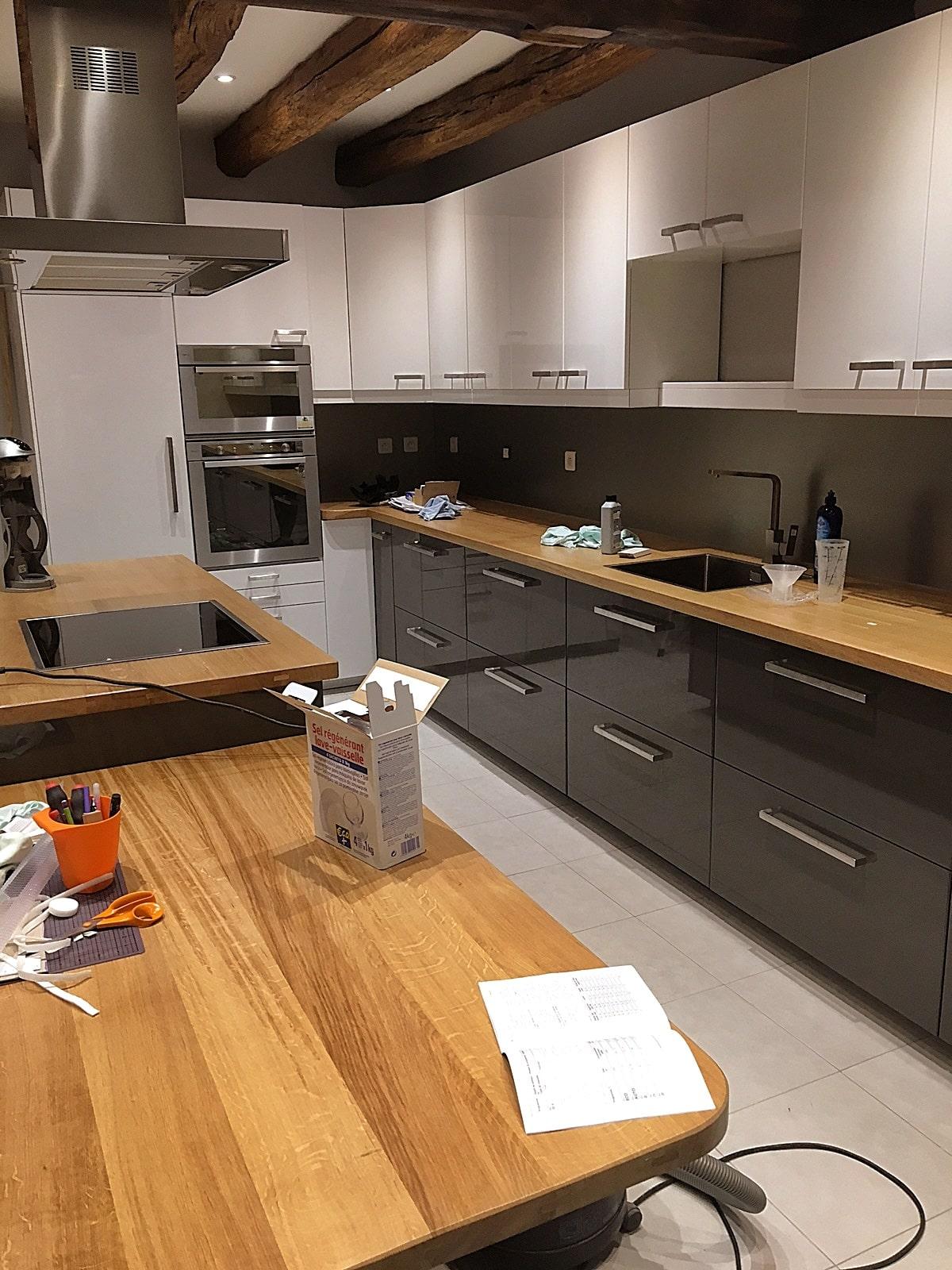 Plan de travail en bois c'un cuisine sur mesure