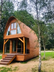 Exemple de cabane avec fondation sur pilotis